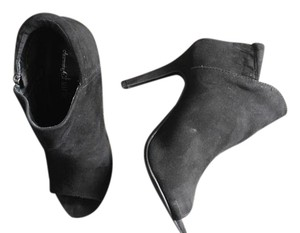 Charming Charlie Black Pumps