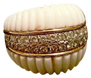 W/ $2800 APPRAISAL: Vintage 80s Ivory & Diamond DOME Ring