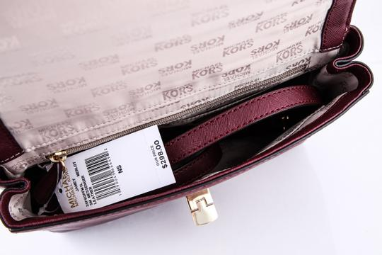 Michael Kors Satchel in red Image 9