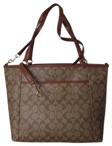 Coach Tote in khaki/saddle