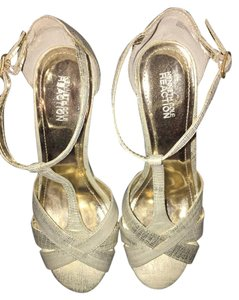 Kenneth Cole Diamond Sandle Silver White Gold Wedges
