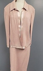 St. John St. John Pink Textured Knee Length Pencil Skirt Suit Rayon Blend 1201a