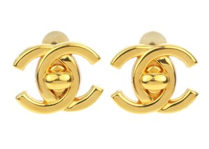 Chanel 96A Vintage Gold CC Turn Lock Clip On Earrings