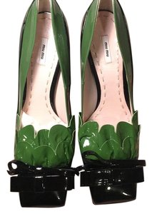 Miu Miu Black and dark green Pumps