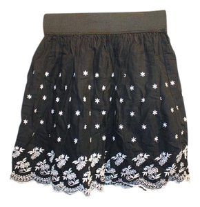 phopsdy Embroidered Skirt