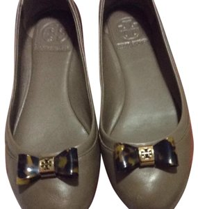 Tory Burch Basil green Flats