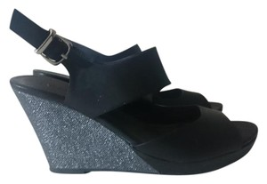 Unlisted by Kenneth Cole Denim Black and Silver Sandals