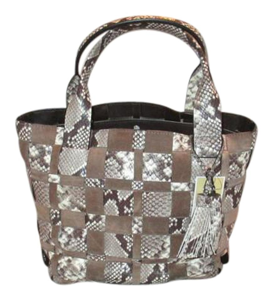 At Bags Direct we have a range of ladies handbags to suit every style and occasion. Our range includes the ever popular tote bags and grab bags with enough room for .