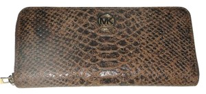 Michael Kors Reserved Sandra H - Fulton Zip Around Wallet