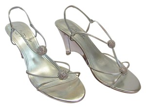Metaphor Brand New Size 6.00 M Excellent Condition Silver, Clear Sandals
