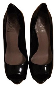 Vince Camuto Black patent leather Platforms