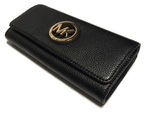 Michael Kors Michael Kors Fulton Flap Continental Clutch Wallet Black