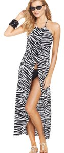 Kenneth Cole KENNETH COLE BLACK AND WHITE ZEBRA PRINT MAXI SWIMSUIT COVER UP M