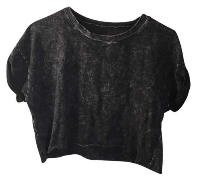 Preload https://item2.tradesy.com/images/brandy-melville-tee-shirt-size-os-one-size-19796406-0-1.jpg?width=400&height=650