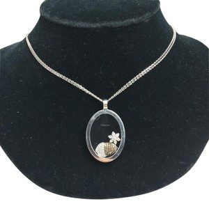 Chopard Chopard White Gold Happy Diamond Snowflake Acorn Necklace