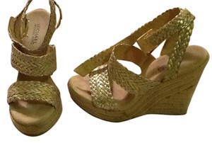 Michael Kors Metallic Leather Woven Rubber Sole Made In China White gold Wedges