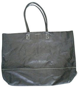 Banana Republic Leather Magnetic Closure Tote in Black