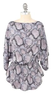 Parker Silk Charmeuse Feather Print Top Gray