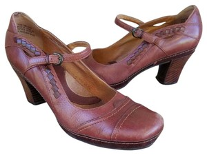 Clarks #clarks #maryjanes #leather #divine #rubbersole Brown Pumps