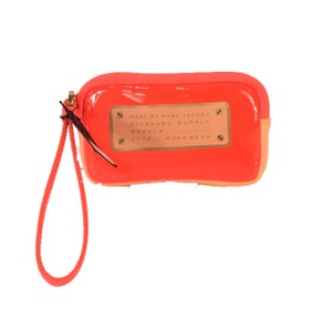 Marc by Marc Jacobs Wristlet in Infra Red