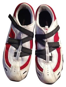 Skechers White, red and black Athletic