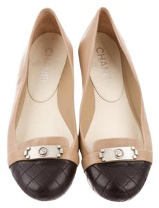 b96f19af0 Chanel Black and cream Flats. Chanel Black and Cream Boy Rounded Cap Flats  Size US 6.5 Regular (M ...