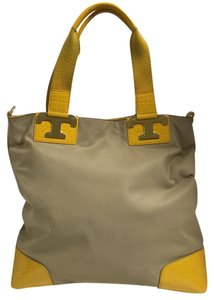 Tory Burch Tote in Khaki/Yellow