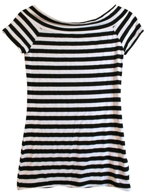 Item - Black and White Stripes Tee Shirt Size 4 (S)