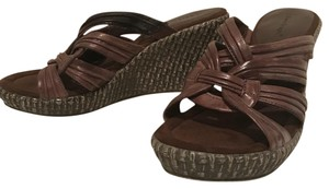 Bare Traps Brown Wedges