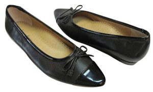 Neiman Marcus Brand New Size 8.00 M Leather Excellent Condition Black Flats
