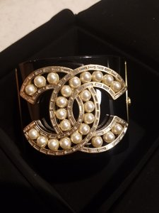 Chanel Chanel Crystal and Pearl Cuff Resin Cuff Bracelet A16 2016
