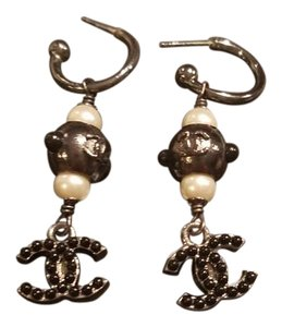 Chanel Chanel resin and pearl CC long black and silver dangle earrings