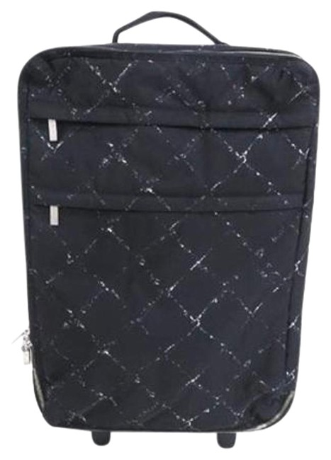 Item - Quilted Rolling Luggage 209043 Weekend/Travel Bag