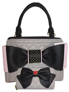Betsey Johnson Cross Body Quilted Heart Satchel in GRAY