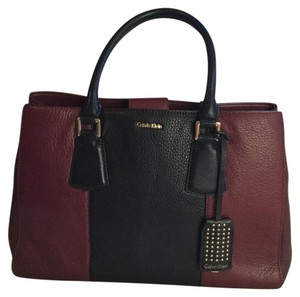 Calvin Klein Satchel in Black/burgundy