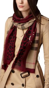 Burberry Burberry Animal Print Haymarket Check Scarf Size L
