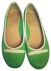 Gap Green and white Flats