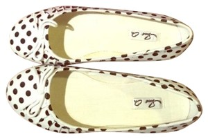 Spot on White and black Flats