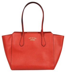 Gucci Leather Small Swing Tote in Red