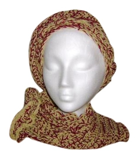 Preload https://img-static.tradesy.com/item/19805257/burgundy-and-gold-new-one-of-a-kind-never-used-infinity-neck-warmer-set-hat-0-1-540-540.jpg