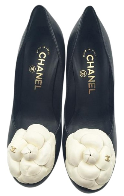 Item - Black White Classic Camellia Flower Leather Heel Pumps Size EU 36 (Approx. US 6) Wide (C, D)
