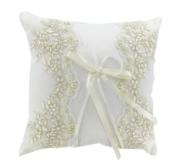 Item - Ivory and Pearl With Lace & Ring Bearer Pillow