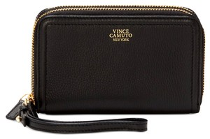 Vince Camuto Ada Wristlet in Black