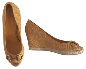 Gucci Espadrille Yellow-Gold Wedges