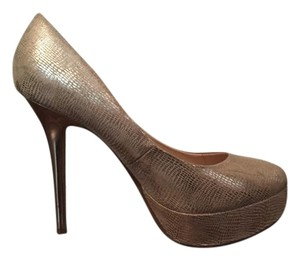 Guess Nuetral Nude Light gold Pumps