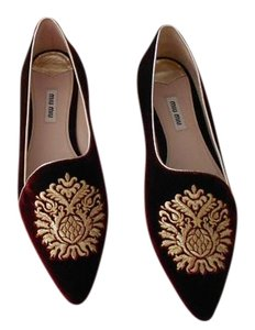 Miu Miu Embroidered Burdeos Flats
