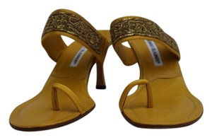 Manolo Blahnik Toe-strap Yellow Leather Sandals