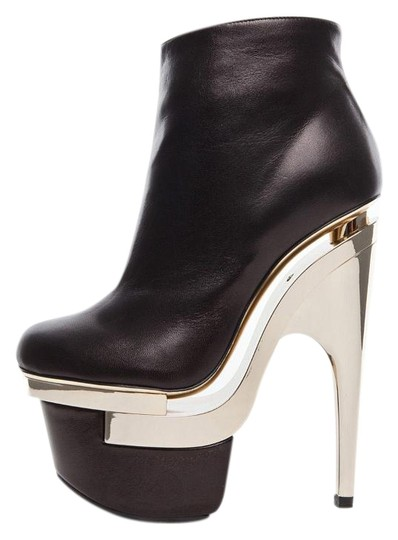 Preload https://img-static.tradesy.com/item/19808786/versace-black-new-leather-triple-platform-bootsbooties-size-us-5-0-1-540-540.jpg