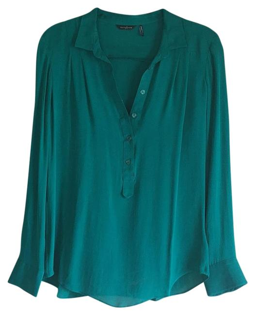 Preload https://img-static.tradesy.com/item/19808866/guess-by-marciano-green-blouse-size-4-s-0-1-650-650.jpg