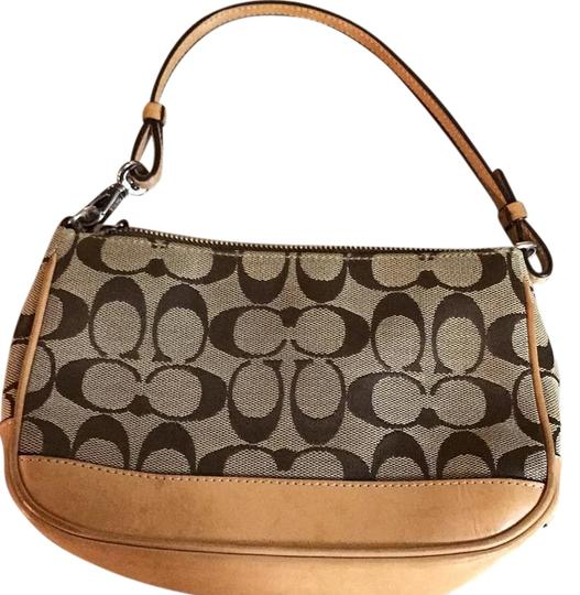 Preload https://img-static.tradesy.com/item/19809350/coach-tan-hobo-bag-0-1-540-540.jpg
